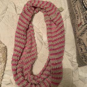 American Eagle NWT Knit Infinity Scarf